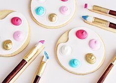 "daintyloops: "" they're cookies. **dies** Artist's Palette & Paintbrush Cookies (by Sweetapolita) "" Cookies Decorados, Galletas Cookies, Cute Cookies, Sugar Cookies, Fondant Cookies, Fondant Icing, Fancy Cookies, Iced Cookies, Easter Cookies"