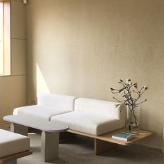 White Interior Design, Interior Concept, Office Interiors, Wood Interiors, Sofa Furniture, Furniture Design, Couch Design, Villa, Decoration