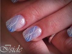 unghie gel,sfumatura azzurra