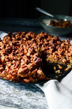 Apple pecan crumble / Μηλόπιτα με θριμματισμένη ζύμη βρώμης (crumble) & πεκάν