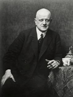 In early Sibelius enthusiastically decided to change his image, removing his thinning hair. Sibelius in 1923 Classical Music Composers, Ode To Joy, Young Old, Famous Musicians, Recorder Music, Opera Singers, Art Music, Finland, Famous People