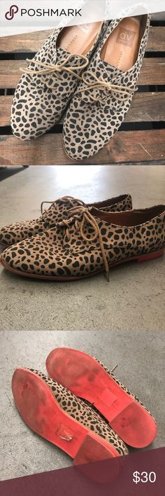 ❤️Preloved❤️ Dolce Vita Leopard Loafers 8.5 Super cute Dolce Vita Leopard Leather loafers. Size 8.5 clean on outside and inside. Slight wear to the bottom. Taupe and black color leopard with orange/red soles. Dolce Vita Shoes Flats & Loafers