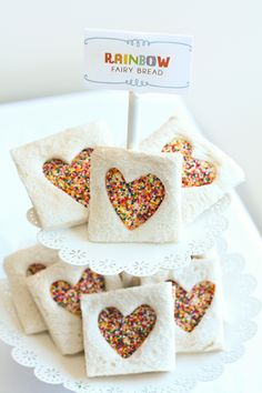 Rainbow fairy bread - so clever and so simple! Perfect party food for a Ben & Holly party My Little Pony Party, Rainbow Birthday Party, Unicorn Birthday Parties, Birthday Ideas, 5th Birthday, Animal Birthday, Unicorn Diy, Fairy Tea Parties, Fairy Tea Party Food