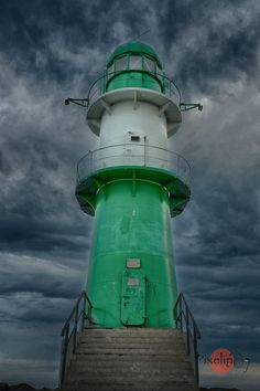 Der grüne Leuchtturm (The Green Lighthouse) in Warnemünde, Ostsee, Germany Mehr