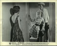 """1964 Press Photo Connie Stevens and Troy Donahue star in """"Palm Springs Weekend"""" 