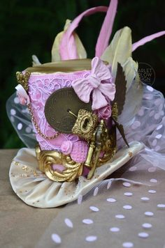 Handmade Pink/Gold Steampunk top hat - alice in wonderland - victorian - steampunk - cosplay - costume - photoshoot - tea party. by ScarletHarlow on Etsy