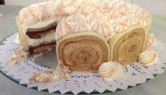 Torta gelada de bolo de rolo
