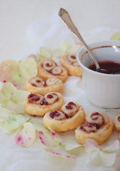 Vanilla&Staubzucker: Palmiers con salsa di fragole