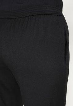 Bestill Club Monaco ZASKIA - Skjorte - blanc de blanc for kr 1895,00 (29.11.16) med gratis frakt på Zalando.no Club Monaco, Gym Men, How To Wear, Fashion, Moda, Fashion Styles, Fashion Illustrations