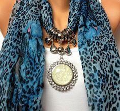 blue leopard jewelry scarf with big rhinestone por BienBijou Scarf Necklace, Scarf Jewelry, Old Jewelry, Fabric Jewelry, Collar Necklace, Beaded Jewelry, Scarf Knots, Diy Scarf, Best Leather Jackets