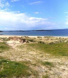 The beach near Killary Harbour Irish Images, Love Holidays, Connemara, Travel Around, Ireland, Beach, Water, Places, Outdoor