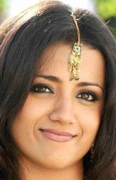 Trisha Actress, Trisha Krishnan, Deepika Padukone, India Beauty, Hd Images, Indian Actresses, Bobby Pins, Bollywood