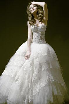 Pnina-Tornai Wedding Gown