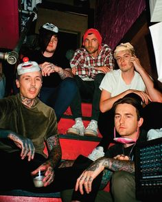 NFL Football - News, Scores, Stats, Standings, and Rumors - National Football League Bring Me The Horizon, Oli Sykes, Jesse Rutherford, Pop Rock, Rock And Roll, Emo Bands, Music Bands, The Neighbourhood, Mayday Parade Lyrics