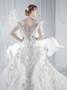dramatic wedding ideas | bridal wedding dresses