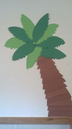 Summer art # beach themed # toddler class #summerbeachimages Paper Palm Tree, Palm Tree Crafts, Palm Trees, Safari Jungle, Deco Jungle, Safari Theme, Jungle Classroom Door, Classroom Themes, Dinosaur Classroom