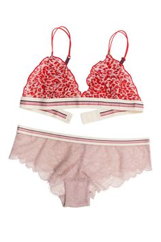 love stories Reggipetto - Dragonfly Elegant printed bralette - Lace boyshorts Make way for this bold leopard print bralette. Combined with charming lavender pink floral lace boy shorts with scalloped edges and an elasticated waistband with thin geometric stripes, a combination of feminine meets sporty that hits the nail on the head.