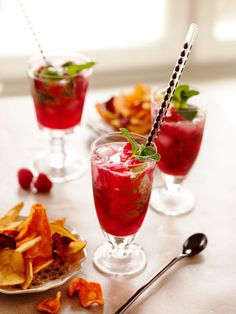 See related links to what you are looking for. Fun Cocktails, Cocktail Recipes, Alcoholic Drinks, Beverages, Tasty, Yummy Food, Swedish Recipes, Starters, Happy Hour
