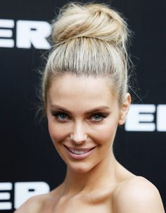 Bridal Hairstyles Jennifer Hawkins #Australia #celebrities #JenniferHawkins Australian celebrity Jennifer Hawkins loves http://www.kangafashion.com