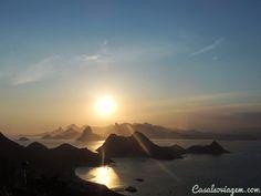 """O Rio de Janeiroé conhecido por suas lindas praias e também por seus fantásticos mirantes que proporcionam visuais magníficos. Os mais famosos são o Cristo Redentor e o Pão de Açúcar, mas há vários outros mirantes para todos os gostos escondidos pela Cidade Maravilhosa. OCasal só Viagem vai te levar para conhecer setemirantes de muito...<br /><a class=""""more-link""""…"""