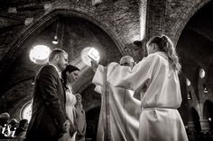 Beautiful light in this church Isiweddings. Beautiful Lights, Photojournalism, Blessed, Wedding Photography, Concert, Wedding Photos, Wedding Pictures, Reportage Photography, Bridal Photography