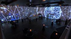 Une création originale signée Holymage pour l'Elyseum Paris.  Une expérience immersive à travers une cité futuriste.  Musique…