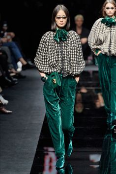 Emporio Armani Fall 2020 Ready-to-Wear Fashion Show - Vogue 2020 Fashion Trends, Fashion Week, Fashion 2020, Runway Fashion, Winter Fashion, Fashion Tips, Emporio Armani, Giorgio Armani, Dope Fashion