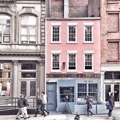 Pastel dreams are made of this  picture by @stylespectrum . . #nyc #newyorker #newyorkminute #pastels #newyorkblogger #bloggerlife #travelblogger #instatravel #bloggergoals #bloggerdiaries #like4like #likes4likes #likeforlike #traveltheworld #wanderlust #travelingram #travelgram by travelwandertour. bloggergoals #wanderlust #newyorkblogger #like4like #nyc #travelingram #pastels #instatravel #traveltheworld #likes4likes #bloggerdiaries #likeforlike #travelgram #bloggerlife #newyorker…