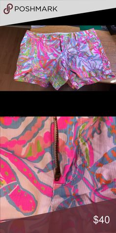Lilly Pulitzer Callahan shorts size 16 Lilly Pulitzer Callahan shorts size 16. Scuba to Cuba print. A very small spot under the zipper. Very minor pilling between the legs. Firm on price. Lilly Pulitzer Shorts