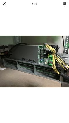Item specifics     Brand:   Bitmain    Hash Algorithm:   SHA-256     Model:   Antminer R4    Compatible Currency:   Bitcoin     Mining Hardware:   ASIC      Bitmain AntMiner R4 8...