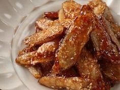 あぁつん さんのレシピ「つまんでどうぞ!カリッと甘辛ゴボウ唐揚げ」を動画でご紹介します。