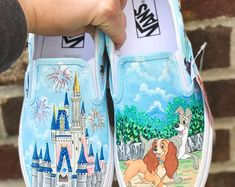 Painted shoes, handbags, Tumblers and Disney T-shirts door SimplyStephanieArt Disney Shoes, Disney Outfits, Disney Clothes, Disney Fashion, Swag Outfits For Girls, Cute Outfits, School Survival Kits, Custom Vans Shoes, Disney Figurines