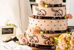 Die Hochzeitstorte gehört mehr denn je dazu...