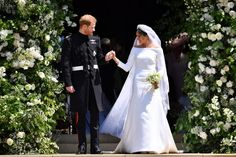 Prince-Harry-Meghan-Markle-outside-chapel