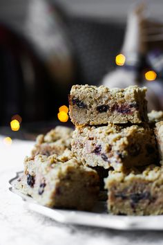 Mince Pie Cheesecake Oat Bars {gluten-free} Gluten Free Recipes Side Dishes, Gluten Free Cookie Recipes, Gluten Free Brownies, Gluten Free Cakes, Gluten Free Baking, Bar Recipes, Holiday Desserts, Just Desserts, Holiday Recipes