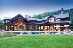 Willoughby Way home located in Aspen, Colorado, designed by Charles Cuniffe Architects