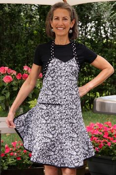 Flirty Hostess Starlight Blooms Apron -- Black and White Floral