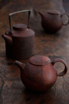 Two-tone Japanese teapots.