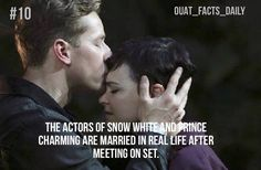 I know and I wish that hook and Emma were married in real life too!!