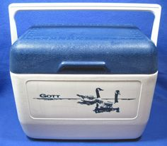 Rubbermaid Gott Large Cooler Lunch Picnic Box Model 1811 Wildlife Geese Blue #Rubbermaid & Vintage Rubbermaid 1826 Cooler Lunch Box Bronze u0026 White w/8278 Ice ... Aboutintivar.Com