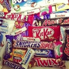 Qotd: What's your fave Candy Bar?:) mine is twix and.... everthing else