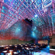 Awesome light installation--Instalación Restaurant Innuendo / bluarch