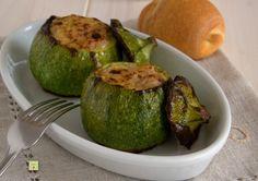 Le zucchine tonde ripiene di tonno sono un delizioso secondo piatto, gustoso, facile da fare, senza uova e con pochi ingredienti.