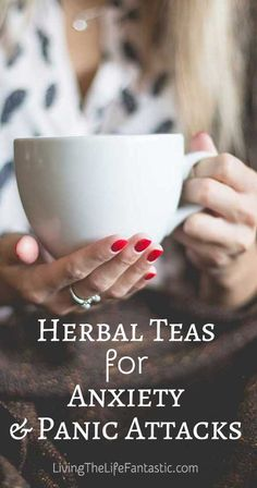 Learn which herbal teas can be helpful for those dealing with anxiety and panic attacks. Asthma Remedies, Anxiety Remedies, Cold Remedies, Herbal Remedies, Asthma Symptoms, Holistic Remedies, Health Anxiety, Personal Development, Psychology