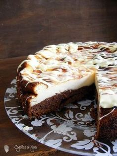 Browni no cheescake Cheescake Brownies, Cheescake Recipe, Brownie Cheesecake, Just Desserts, Delicious Desserts, Yummy Food, Chocolate E Queijo, Fondant Cakes, Cupcake Cakes