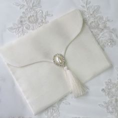 Shagun Envelopes, Shabby Chic Jewelry, Islamic Gifts, Gift Envelope, Ribbon Work, Vintage Purses, Selling Jewelry, Bridal Boutique, Hand Embroidery