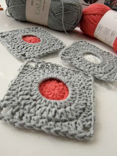 Find this intriguing crochet square pattern at Colour In A Simple Life... ♥