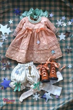 VK is the largest European social network with more than 100 million active users. Sewing Doll Clothes, Sewing Dolls, Girl Doll Clothes, Doll Dress Patterns, Clothing Patterns, Doll Wardrobe, Waldorf Dolls, Felt Dolls, Cute Dolls