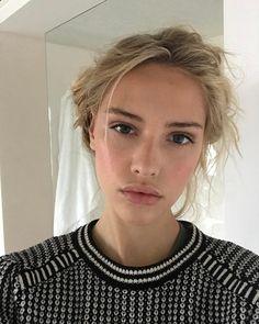 Claire Guena || Instagram (April 3, 2017)