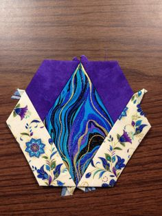 "Katja Marek's The New Hexagon - Millefiore Quilt-Along: Rosette 1: ""block 7 - Maureen altered"" -- completed by Tracy Pierceall, 1/12/2015"